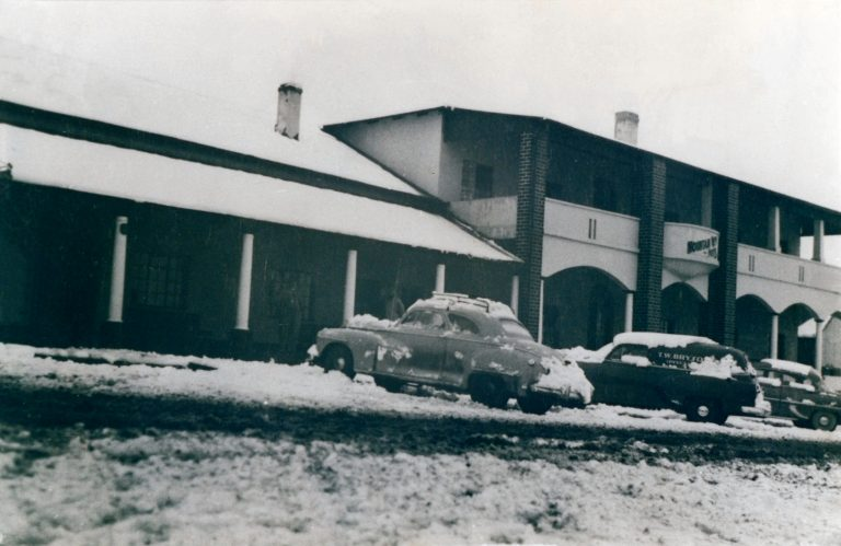 Mountain View Hotel, Lady Grey in abt 1949